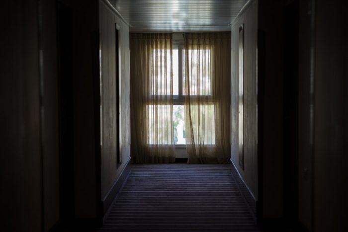 カーテンを開けて寝る生活を1週間試してみた結果